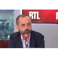 """Logo of the podcast Démission de Rugy : """"Ce pouvoir, ils sont cinglés"""", attaque Robert Ménard sur RTL"""