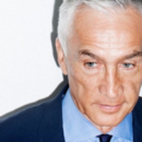 Logo of the podcast Jorge Ramos talks to William Finnegan