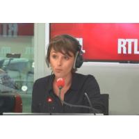 Logo du podcast Une Belge doit payer 414 euros d'amende pour avoir acheté de l'eau en France