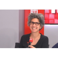 """Logo of the podcast """"Visa Transit"""" de Nicolas de Crécy est la BD RTL du mois de septembre 2019"""