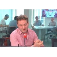 """Logo du podcast """"L'inconstance des politiques dessert leurs objectifs écologiques"""", dit Olivier Bost"""