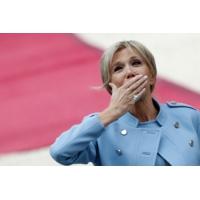 Logo du podcast Brigitte Macron : faut-il créer un statut de première dame de France ?