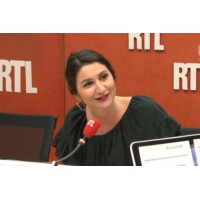 "Logo of the podcast Bac 2017 : ""Dis-moi ton prénom, je te dirai ta mention"", lance Anne Rosencher"