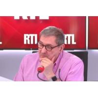 """Logo of the podcast 3 minutes pour comprendre : """"La course à la vie sur Mars est lancée"""""""