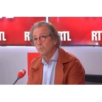 """Logo of the podcast Olivier Roellinger """"appelle à une révolution alimentaire pacifiste et joyeuse"""""""