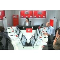 """Logo of the podcast Les actualités de 12h30 - """"Gilets jaunes"""" : l'appel au calme d'Emmanuel Macron entendu"""
