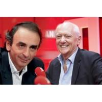 Logo du podcast Emmanuel Macron s'occupe-t-il assez de la France ?