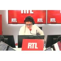 """Logo of the podcast Les actualités de 12h30 - """"Gilets jaunes"""" : 27 personnes présentées à la justice ce lundi"""