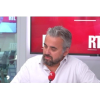 """Logo of the podcast Climat : Alexis Corbière dénonce le """"grand show"""" du gouvernement"""