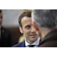 """Logo of the podcast Présidentielle 2017 : """"Macron ne peut pas se permettre de baisser dans les sondages"""""""