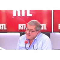"""Logo of the podcast Médicaments opioïdes : """"première cause de morts aux États-Unis"""", selon le professeur Michel Reynaud"""