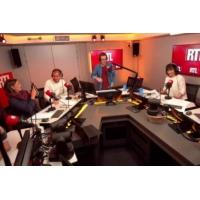Logo of the podcast Alain Delon reçoit une palme d'honneur