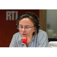 """Logo du podcast Hollande estime que """"le bazar et le pourrissement finiront par lui être bénéfiques"""""""