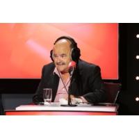 """Logo of the podcast Jean Benguigui flirte avec Marcela Iacub dans """"Les Grosses Têtes"""""""