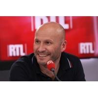 """Logo of the podcast Théâtre : """"J'ai moi-même appelé pour avoir le rôle"""", révèle Stéphane Freiss, à l'affiche dans """"Le F…"""