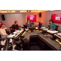 """Logo of the podcast """"Le Plus Grand Cabaret du Monde"""" s'arrête : l'hommage du jour"""