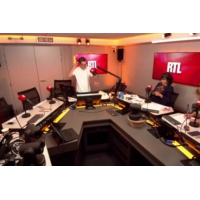 Logo du podcast Pendant la Crise chez Les Républicains, Xavier Bertrand trace sa route vers la présidentielle