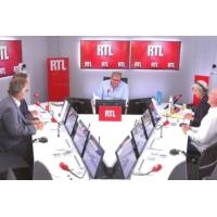 """Logo du podcast Municipales : les politiques ont désormais """"la pression écolo"""", dit Olivier Bost"""