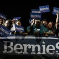 Logo du podcast Politics with Amy Walter (Extra): Nevada Goes for Bernie 2020-02-23