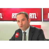 """Logo du podcast """"Gilets jaunes"""" : """"Macron n'était pas prêt à gouverner"""", selon Hamon sur RTL"""