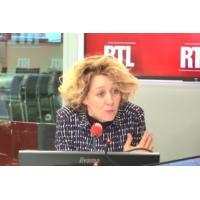 """Logo of the podcast """"Gilets jaunes"""", Mélenchon, Hamon... """"Tous contre Macron, mais chacun pour soi !"""", lance Alba Ventu…"""