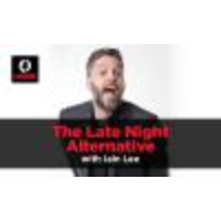 Logo du podcast The Late Night Alternative with Iain Lee: David, Mark & Sarah - Monday, August 28