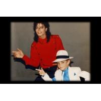 """Logo of the podcast Le documentaire """"Leaving Neverland"""" sur Michael Jackson est diffusé ce soir sur M6"""