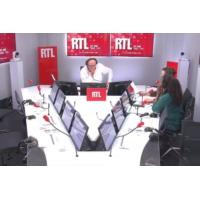"""Logo du podcast Adrien Taquet présente """"la commission des 1.000 premiers jours de l'enfant"""" sur RTL"""