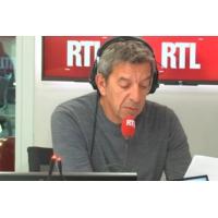 """Logo du podcast Don du sang : """"Interdit au personnes ayant séjourné dans certains départements"""" explique Cymes"""