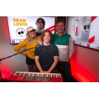 Logo of the podcast Dean Lewis dans Le Double Expresso RTL2 (29/03/19)