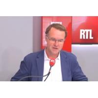 """Logo of the podcast Strasbourg : """"Il y fait bon vivre, entreprendre et travailler"""", explique Jérôme Cordelier"""