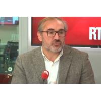 """Logo of the podcast """"Gilets jaunes"""" : """"J'ai trouvé Emmanuel Macron serein"""", dit un maire qui l'a rencontré"""
