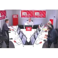 """Logo du podcast Présidentielle 2022 : Marine Le Pen doit """"apparaître plus crédible"""", selon Olivier Bost"""