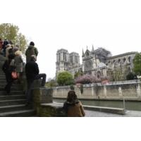 Logo du podcast Incendie à Notre-Dame de Paris : la fascination pour la cathédrale nourrit la mobilisation