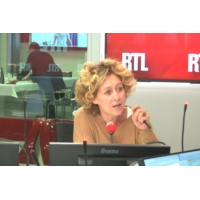 """Logo du podcast """"Il est dommage de traiter le sport comme un sujet politique mineur"""", déplore Alba Ventura"""