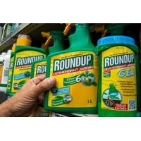 """Logo of the podcast Rapport sur le glyphosate : """"la sortie de tous les pesticides"""" reste prioritaire pour Mathieu Orphe…"""