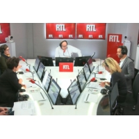 Logo of the podcast Les grandes lignes de la tribune européenne d'Emmanuel Macron