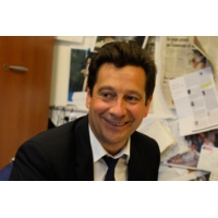 "Logo of the podcast Laurent Gerra imitant Nicolas Sarkozy : ""Édouard qui ?"""
