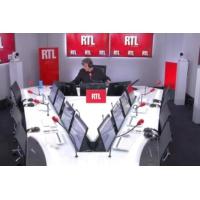 Logo of the podcast Les actualités de 22h - Mick Micheyl, vedette de la chanson française, est décédée