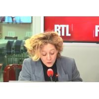 """Logo of the podcast Référendum le 26 mai : un pari """"risqué"""" pour Emmanuel Macron, juge Alba Ventura"""
