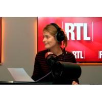 Logo of the podcast Impôt à la source : Gérard Darmanin aimerait que l'on vante plus le succès de la réforme