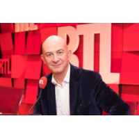 """Logo du podcast """"L'Oréal se trouve au centre de bien des convoitises"""", raconte François Lenglet"""