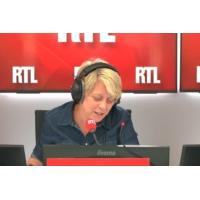 """Logo of the podcast Les actualités de 12h30 - L'enseignante braquée à Créteil  a eu """"une réaction professionnelle"""" dit …"""