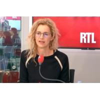 """Logo of the podcast """"C'est le devoir d'un écrivain d'être empathique"""", confie Delphine de Vigan sur RTL"""