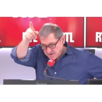 """Logo du podcast EPR de Flamanville : """"le cauchemar du nucléaire français"""" dit Erwan Bénézet"""