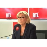 """Logo du podcast """"Gilets jaunes"""", immigration et petites piques : Marine Le Pen était l'invitée de RTL le 19 décembre"""