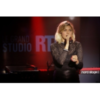 "Logo of the podcast Louane en concert dans ""Le Grand Studio RTL"""
