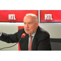 """Logo du podcast 17 novembre : """"Bloquer la France, c'est minable"""", dit Bussereau sur RTL"""