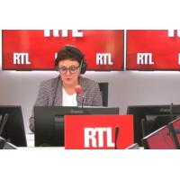 Logo of the podcast Marseille : une minute de silence en hommage de l'étudiante poignardée à mort pour son portable