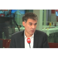 """Logo of the podcast """"Gilets jaunes"""" : """"Nous avons tous une part de responsabilité"""", reconnaît Olivier Faure"""